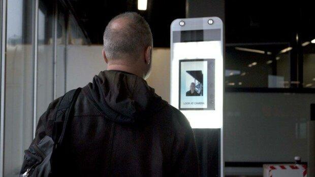 За продукти можна розплатитися власним обличчям: яке ноу-хау придумали у Києві, відео