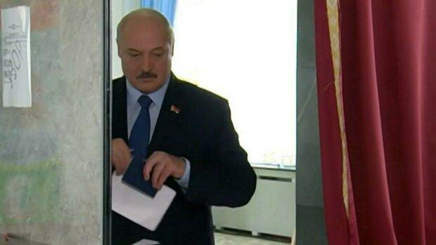 """""""Из-под контроля ничего не выйдет"""": Лукашенко отдал свой голос на выборах президента"""