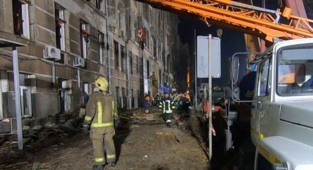 Одесса рыдает на пепелище: из-под завалов достали еще одно тело, видео
