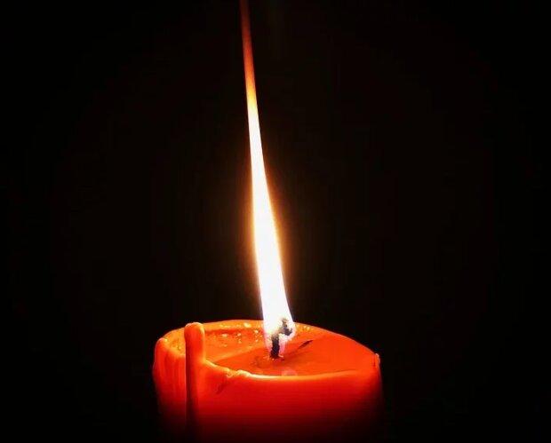Свеча памяти, фото из свободных источников