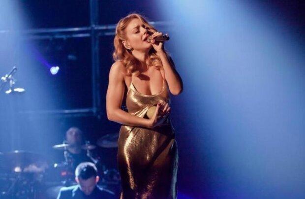 Тіна Кароль за лаштунками Нацвідбору на Євробачення-2020 перетворилася на солодку Монро, Кеннеді не встояв би