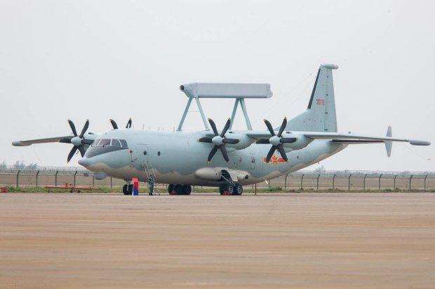 """Військовий літак розбився просто у польоті: причетний """"Новичок"""""""