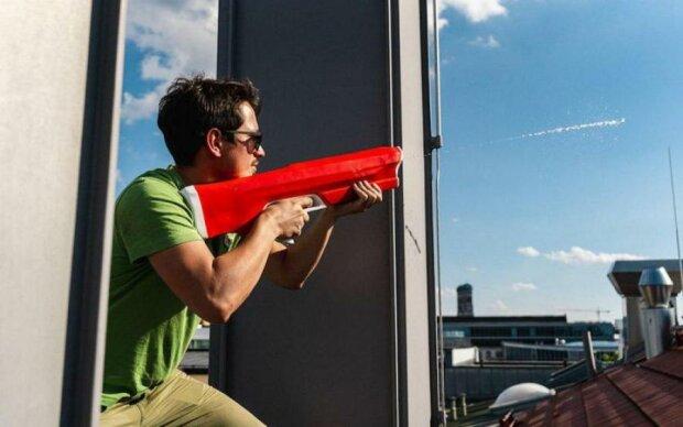 В сети показали самую крутую водную пушку: видео