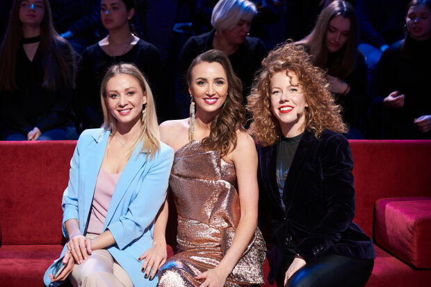 Анна Ризатдинова с подругами, фото: Новый канал