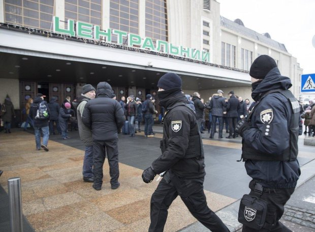 В Киеве пропали две школьницы: родители умоляют о помощи