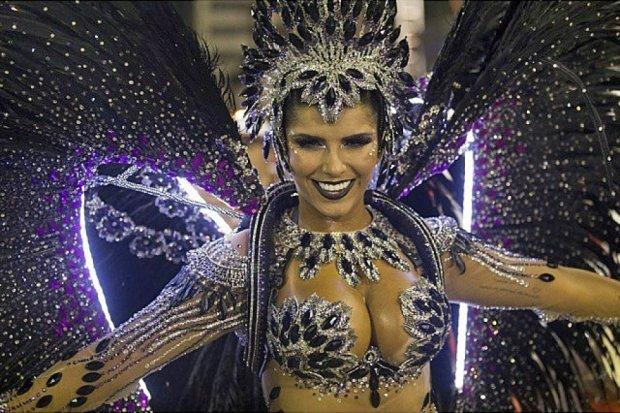 Карнавал у Бразилії: яскраві кольори, енергійні ритми і море веселощів
