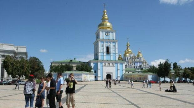 Чернобыль, Лавра и сногсшибательные женщины: Киев вошел в топ самых популярных городов мира