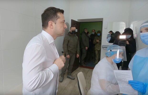 Зеленский вакцинировался от covid-19, скрин с видео