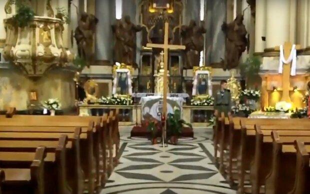 церковь, скриншот из видео