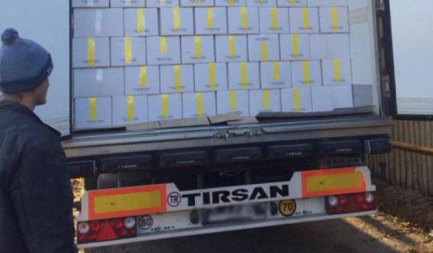 Орехи на 12 млн грн пытались незаконно вывезти из Украины