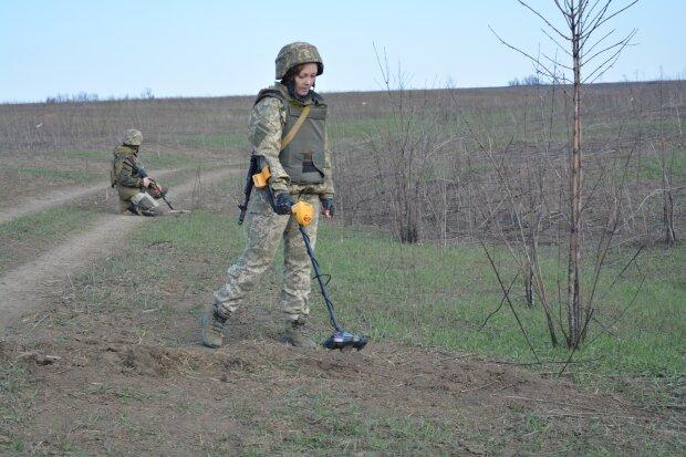 Обстрелы на Донбассе, фото: Facebook / ООС
