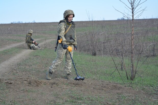 Обстріли на Донбасі, фото: Facebook / ООС