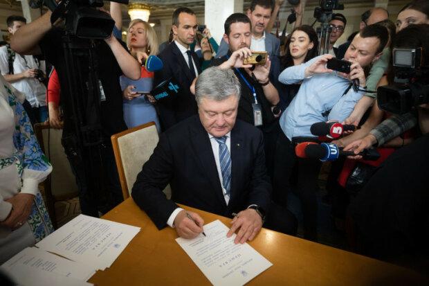 """Партії Порошенка, Тимошенко і Вакарчука заспівали в один голос: оприлюднена спільна заява щодо """"нормандської зустрічі"""""""