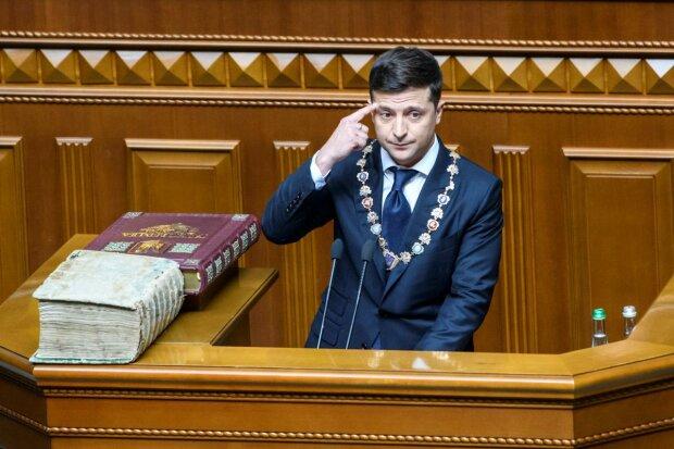 """Зеленський раптово заговорив про свою відставку: """"Це один з механізмів демократії"""""""