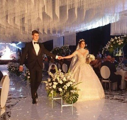 """Син """"господаря"""" Закарпаття Балоги відгуляв королівське весілля, українці оторопіли: кадри мажорної вечірки"""