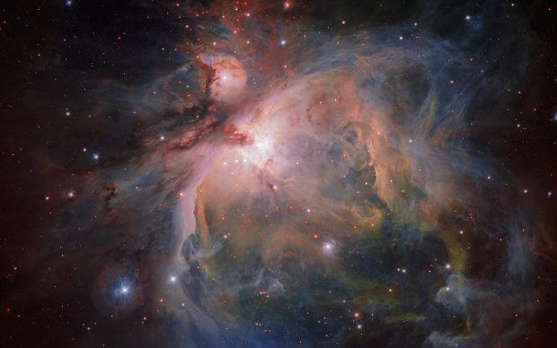 Одразу три НЛО помітили в туманності Оріона