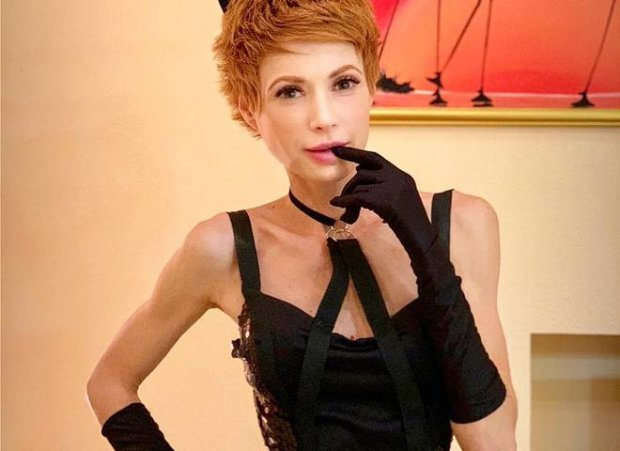 Наречена Розенка в спокусливому вбранні змушує мережу божеволіти: за мною підглядають