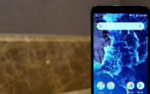 Mi A2 и Mi A2 Lite: Xiaomi анонсировала новые флагманы