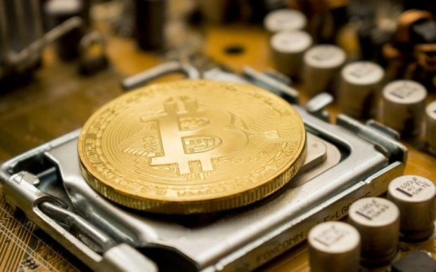 Курс биткоина на 5 июля: главная криптовалюта тянется вверх