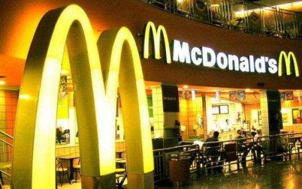 Неизвестный паразит уложил на больничные койки сотни любителей McDonald's