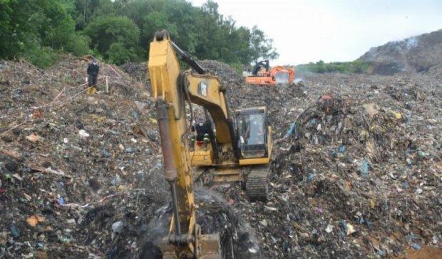 Київ залишив львів'ян наодинці зі сміттям