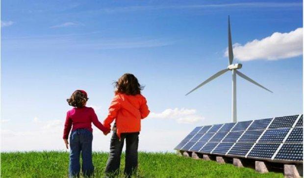 Українцям дозволили продавати електрику з вітряків і сонячних ЕС