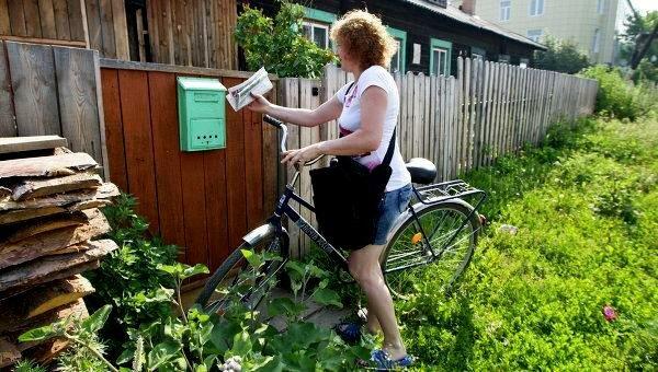Денег нет: под Харьковом накрыли аферистку из Укрпочты, выдавала пенсионерам пустые конверты