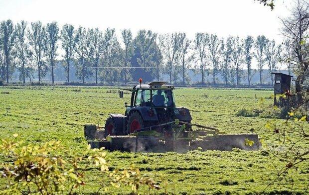 """Фермер указал нардепу Зеленского на провал земельного закона: """"Подло нажали"""""""