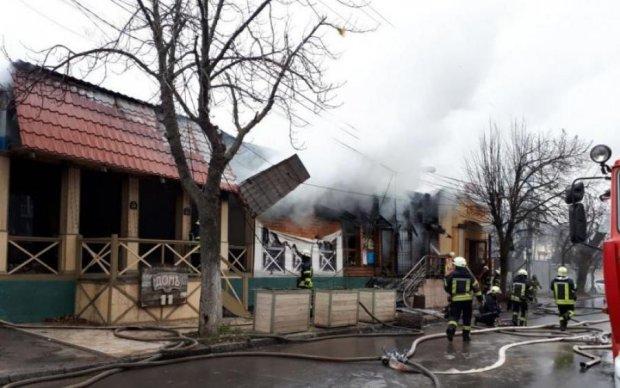 Горячий Первомай: огонь уничтожил кафе в Одессе