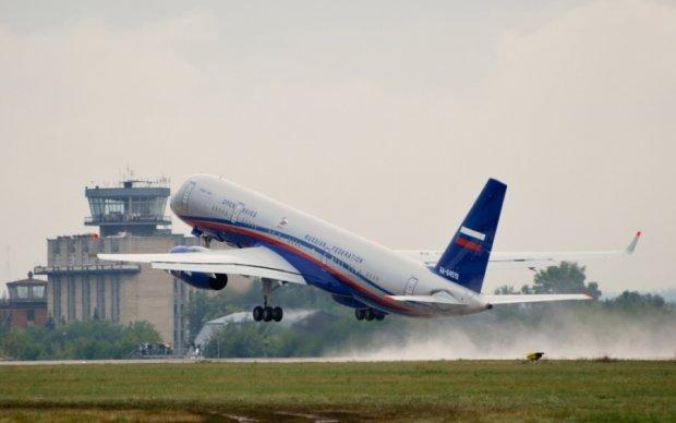 На борту самолета Медведева произошло ЧП