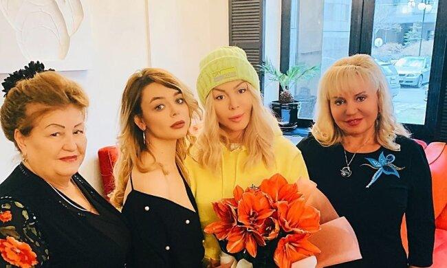 Алина и Анна Гросу, Ирина Билык, фото с Instagram
