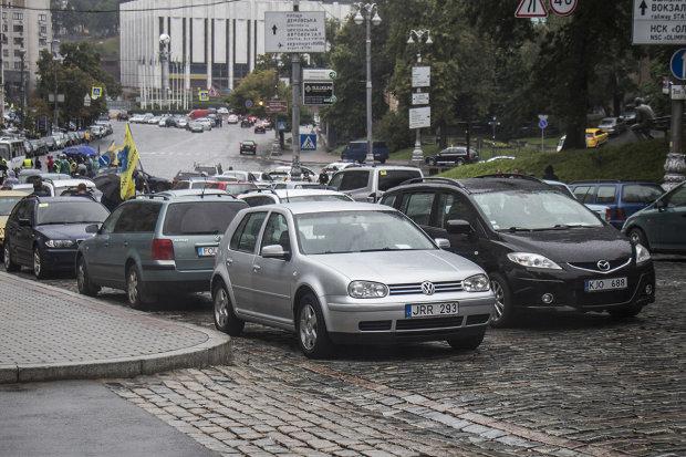 У евробляхеров лопнуло терпение, дороги перекрыты, водители выставили ультиматум: видео