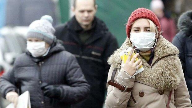 Украинцы сошли с ума из-за китайского коронавируса, а дефицит масок - только начало