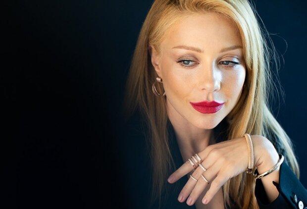 Образи Тіни Кароль за 15 років співочої кар'єри: із солістки хору ЗСУ у фатальну красуню