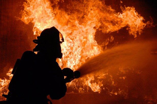 Химическая катастрофа в России: горит завод, есть погибшие