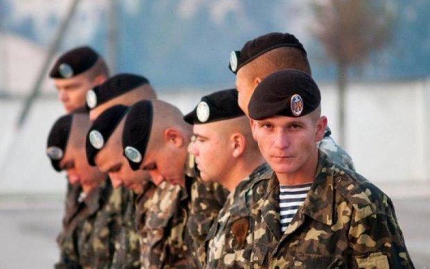 Ворогові не вижити: міць української армії показали на ефектних фото