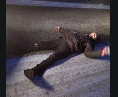 """""""Синий"""" тернополянин """"отдыхал"""" прямо посреди улицы: """"Над ним стояли отец и полиция"""""""