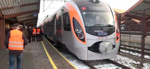 Поїзд, фото: скріншот з відео