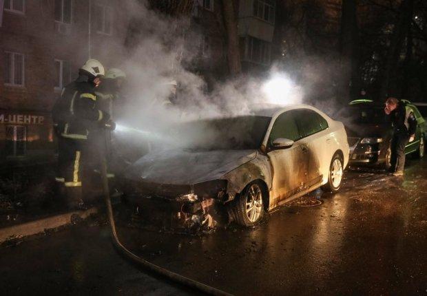 В Одессе подожгли авто известного историка и активиста: могло быть шесть трупов