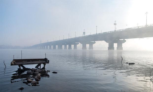В Киеве закрывают мост Патона