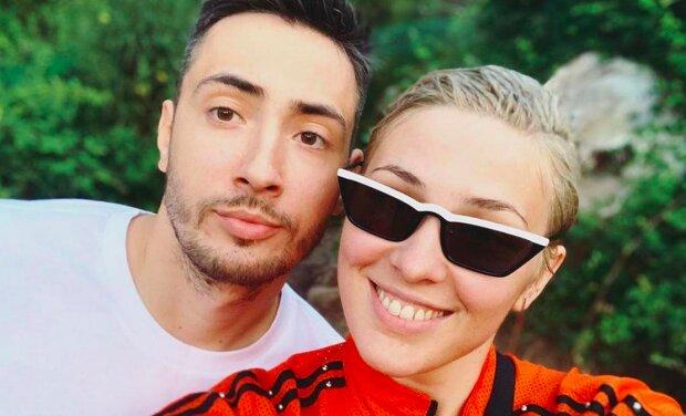 """MARUV показала горячее фото с мужем, осталась лишь в боди: """"О прошлой ночи"""""""