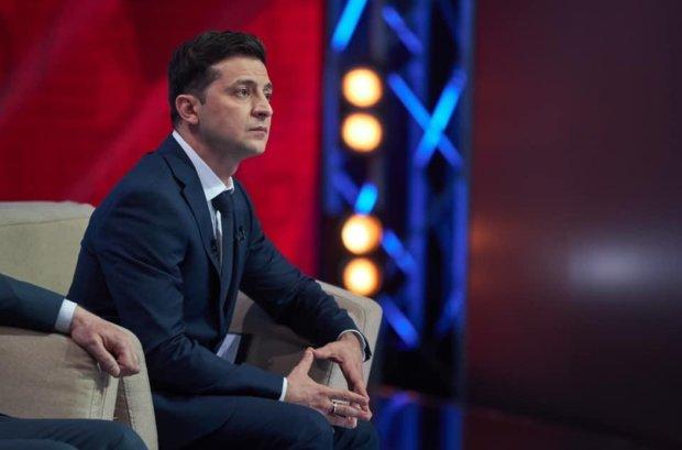 Главное за ночь: отставка Зеленского, провальное ВНО и новое украинское правописание