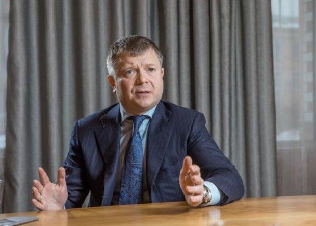 ДБР оголосило про підозру двом топ-менеджерам банку Жеваго: мільярдні розтрати