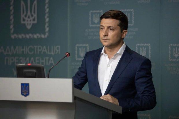 Зеленський одним рішенням відрізав десяток голів старої влади: які регіони чекають зміни