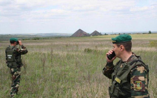У границы Украины отыскали сбитый самолет