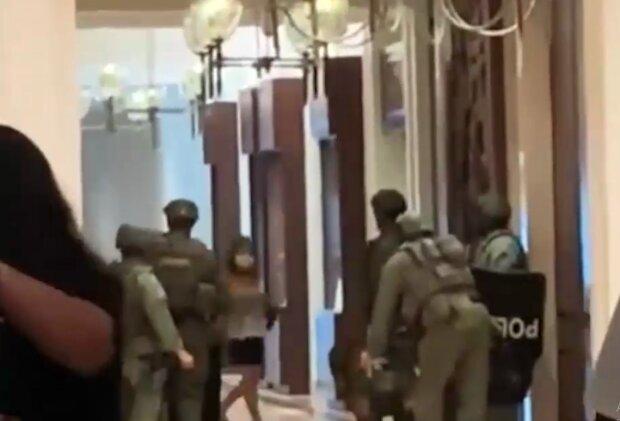 Стрілянина у готелі, кадр з відео