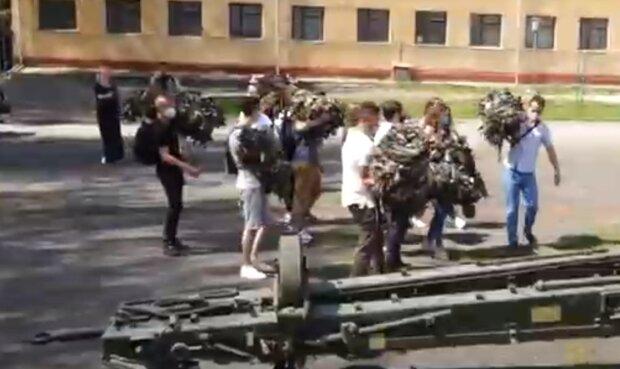 Студенты из Тернополя пахали все лето, чтобы помочь героям на Донбассе - гордится вся Украина