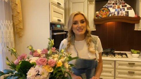 Ірина Федишин відклала мікрофон заради кухні, справжня  хазяєчка: ось чим годують козаків