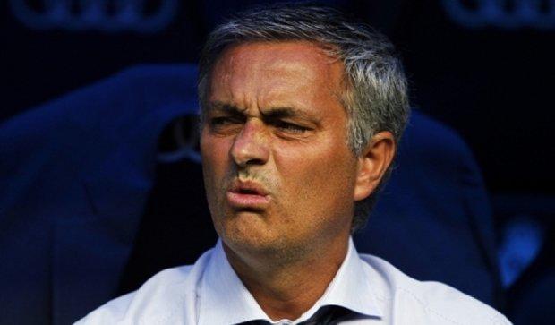 Моуриньо уволили из-за конфликта с игроками