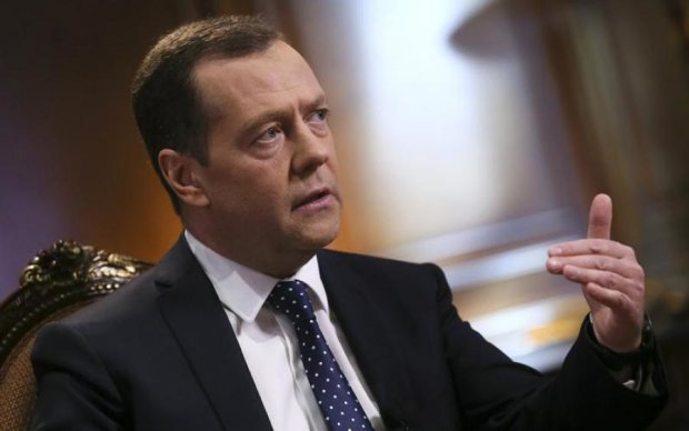 А его уже похоронили: Медведев внезапно вынырнул в неожиданном месте